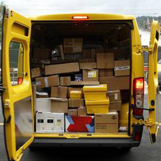 Von braunen Kartons und gelben Autos!