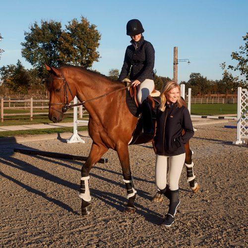 Turnierequipment: Was braucht mein Pferd?